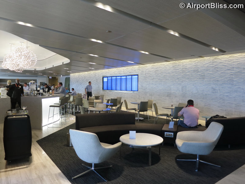 Delta American Express Login >> Lounge Review: United Club – ORD T2, Gate F4 ...