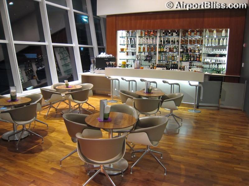 Lounge Review: Lufthansa Senator Lounge – JFK ...