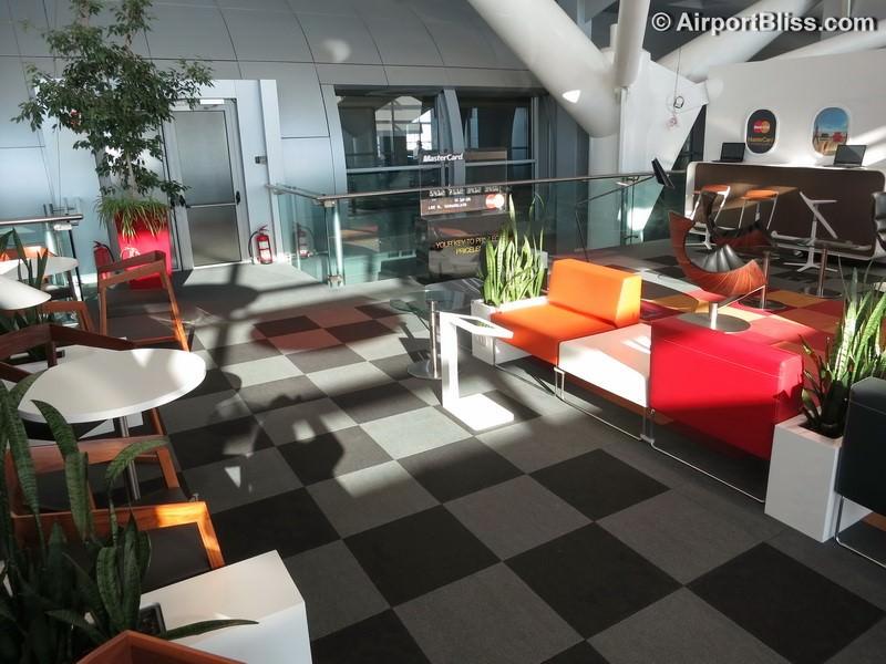 Lounge Review: MasterCard Business Lounge at Bucharest Henri Coanda ...