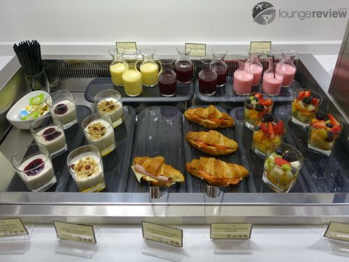 Breakfast treats at the United Arrivals Lounge - London Heathrow (LHR)