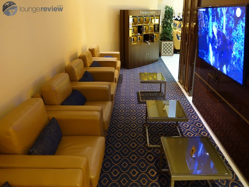 Emirates Business Class Lounge - Dubai - International ...
