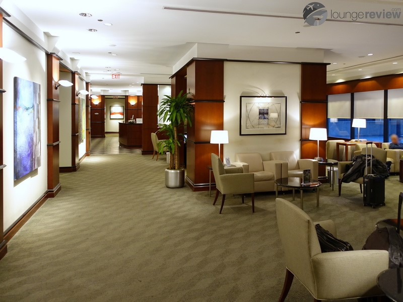 Lounge Review: United Club at Houston, TX George Bush ...