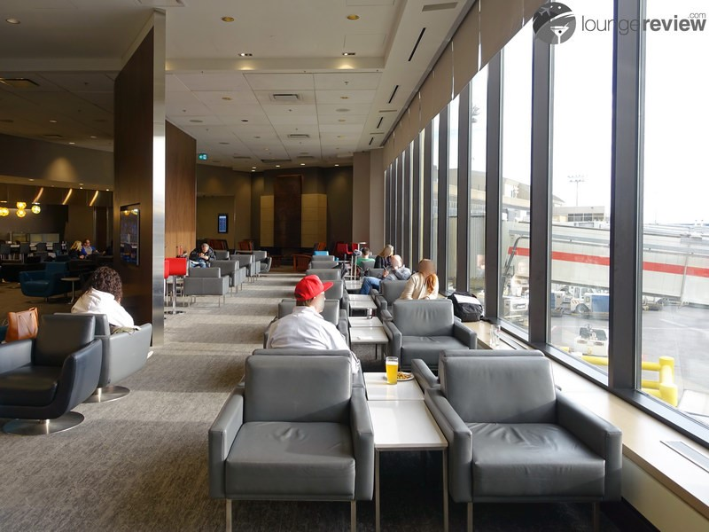 how to become eligible for airport lounges