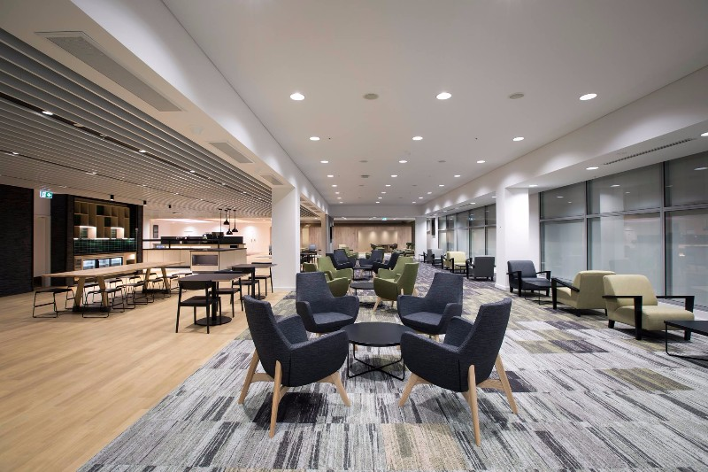 Lounge Review Strata Lounge Akl Loungereview Com
