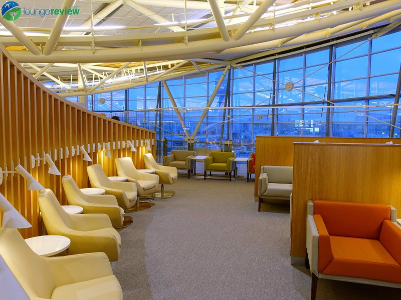 FIRST LOOK: The new SkyTeam Vancouver Lounge | LoungeReview.com